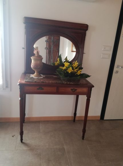 La specchiera della Nonna